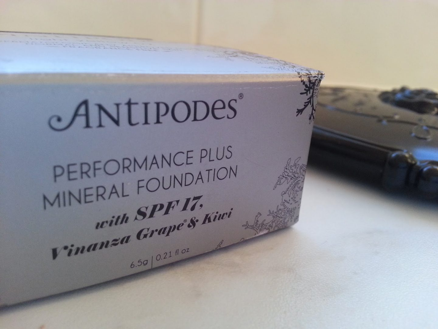 Antipodes Mineral Powder Foundation