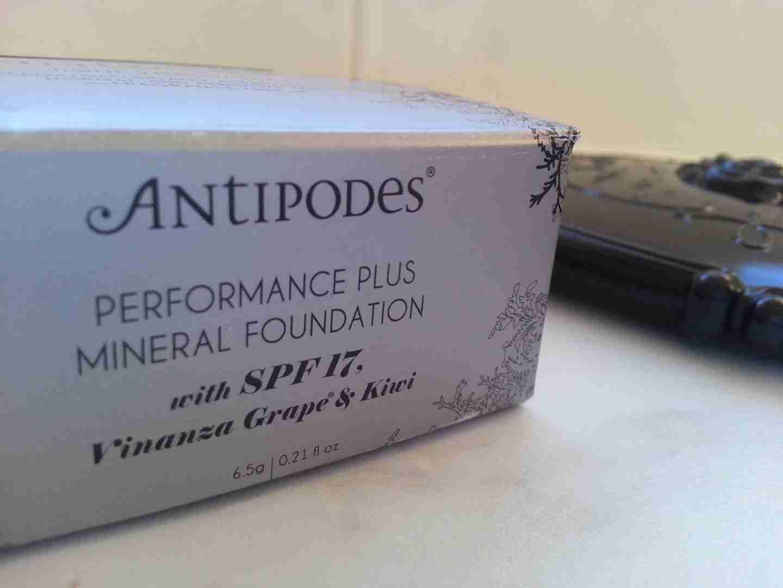Antipodes Mineral Powder Foundation