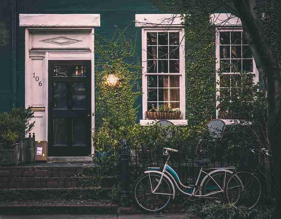 older home facade