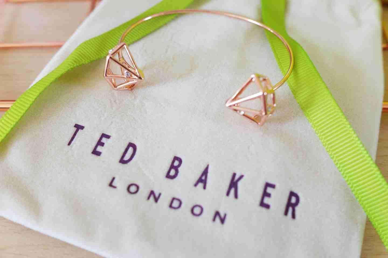 Mother's Day Gift: Ted Baker white bag.