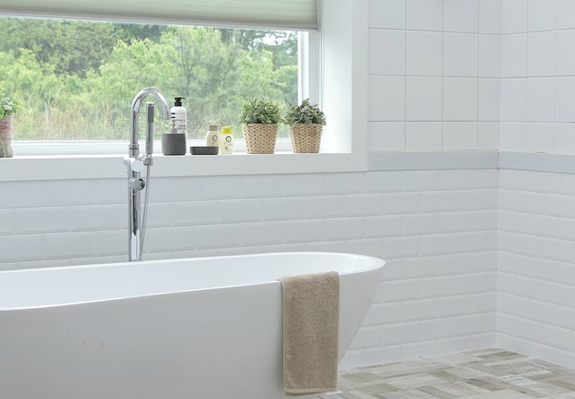5 Very Simple Ways to Brighten Up Your Bathroom
