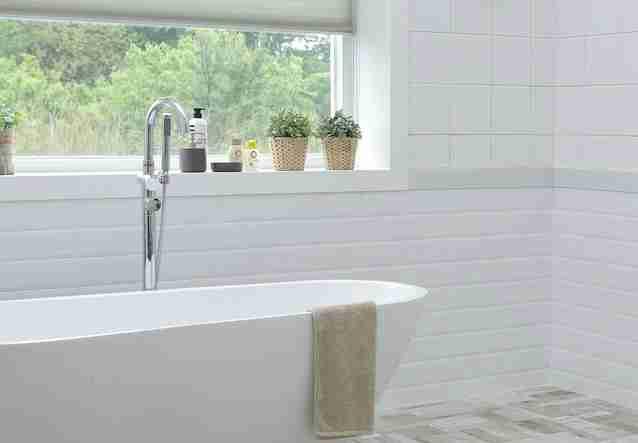 5 Very Simple Ways to Brighten Up Your Bathroom
