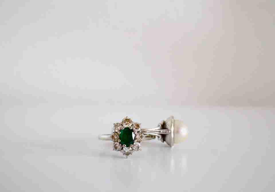 Alternatives to Diamond Jewellery For The Modern Woman
