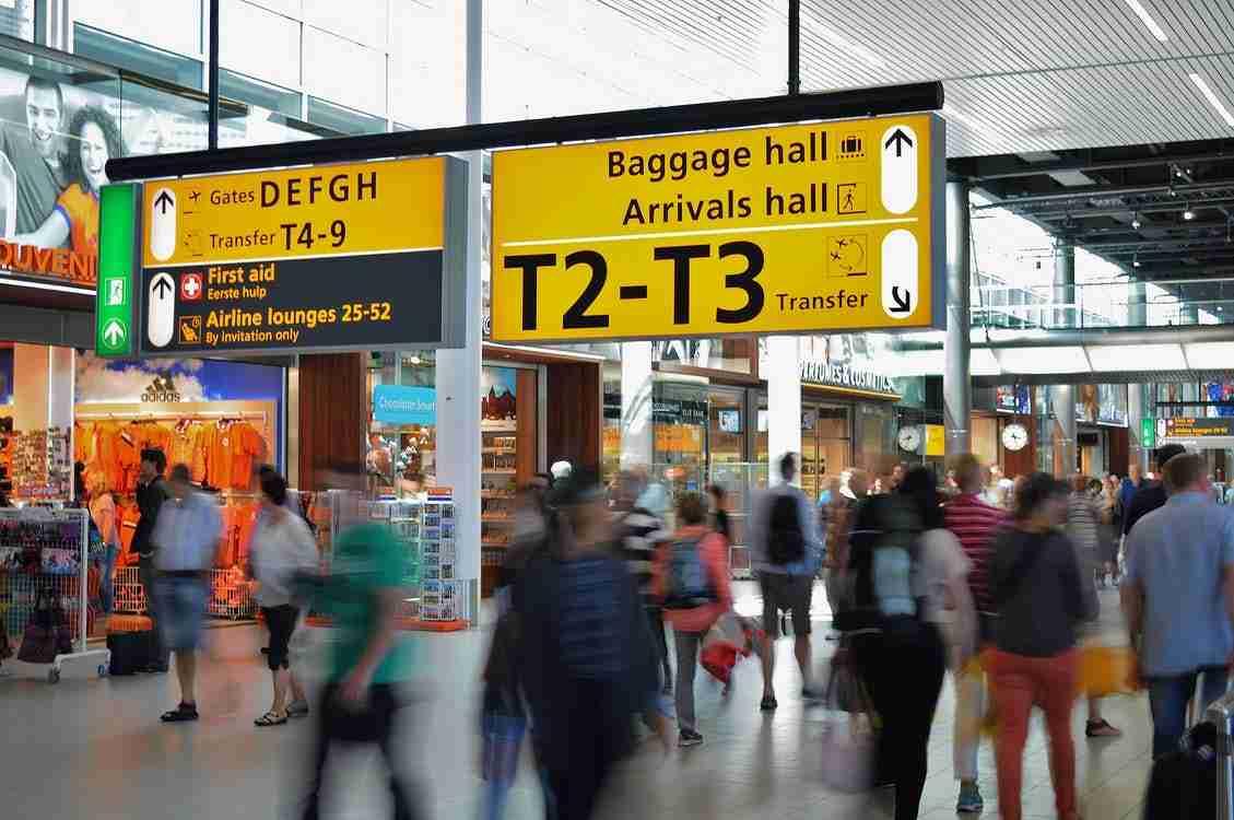 Flight: Airport hall