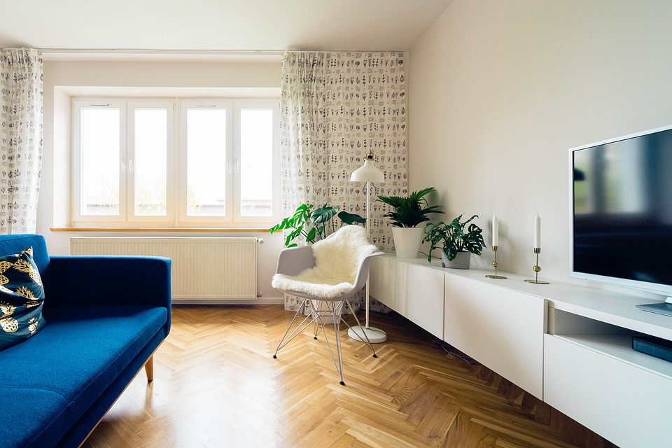 8 Ways To Overhaul Your Living Room On A Budget