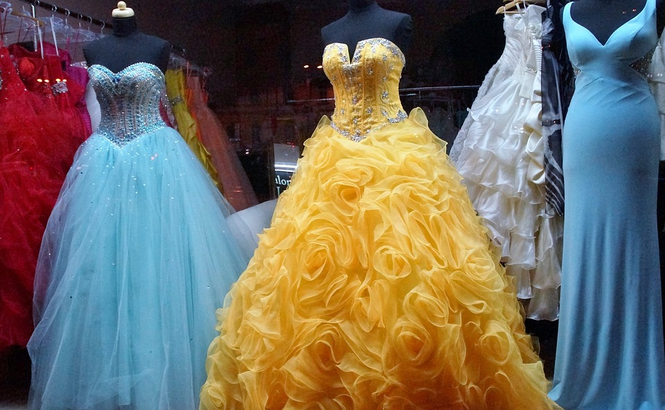 How to Choose Your Prom Dress Well in Advance