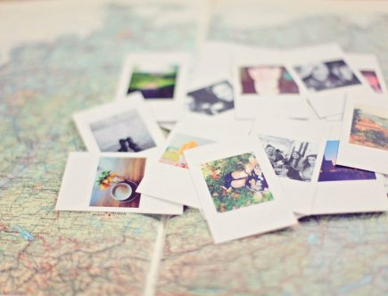 Mix travel: Photos placed on a map.