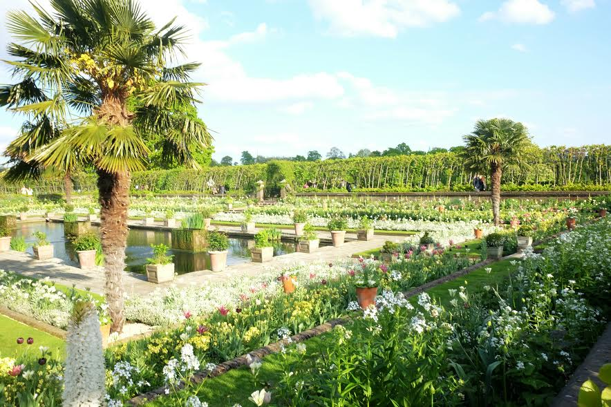 Britain's Most Beautiful Gardens + The White Garden at Kensington Palace