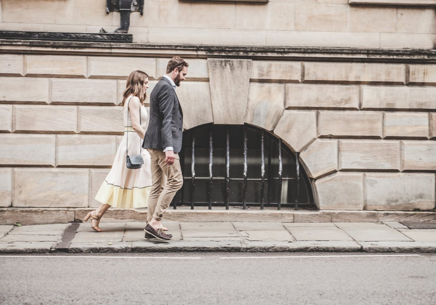 3 First Date Ideas to Walk and Talk and Get to Know Your Date