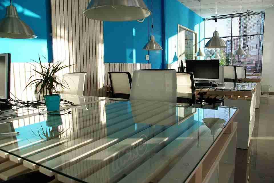 expert design tips: modern blue themed office.