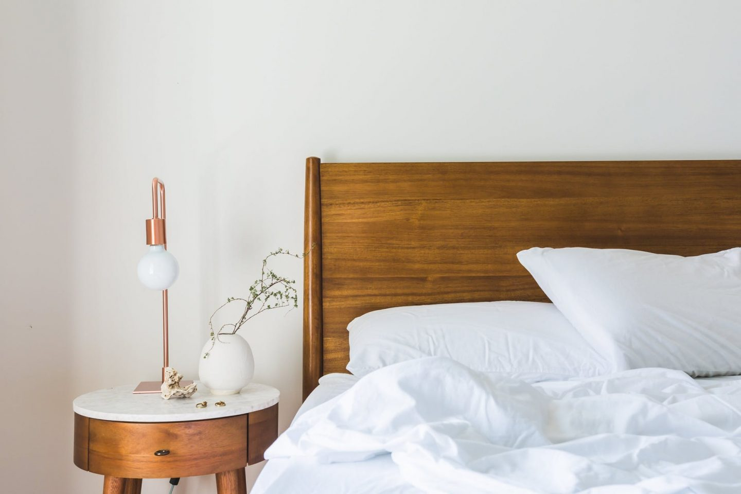 7 Simple Ways to Get Your Bedroom Ready for Spring