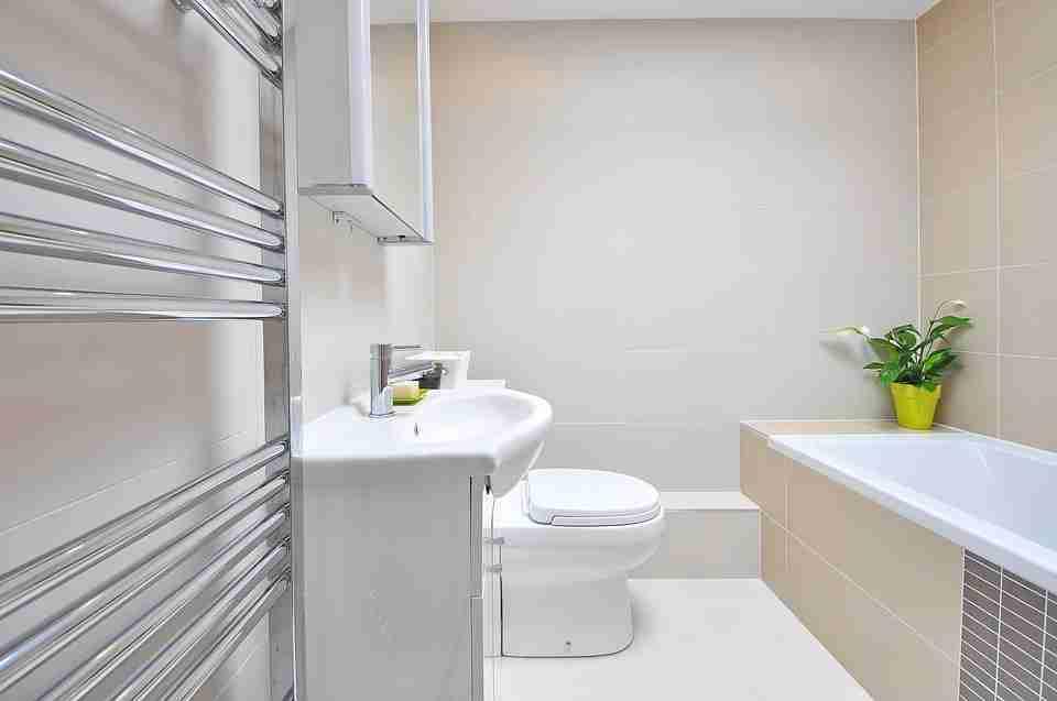 bathroom supplies: picturesque modern light coloured bathroom.