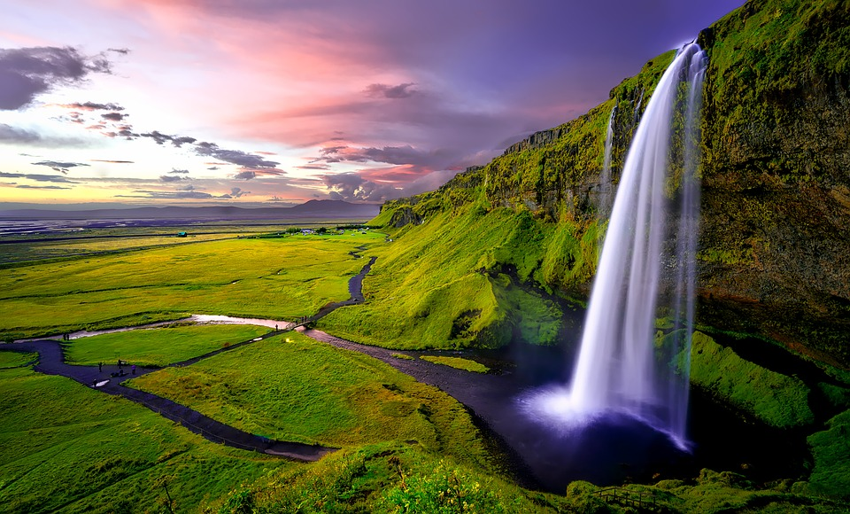 7 Incredible and Interesting Reasons to Visit Iceland