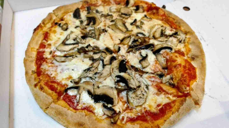 road trip to Edinburgh: delicious pizza!