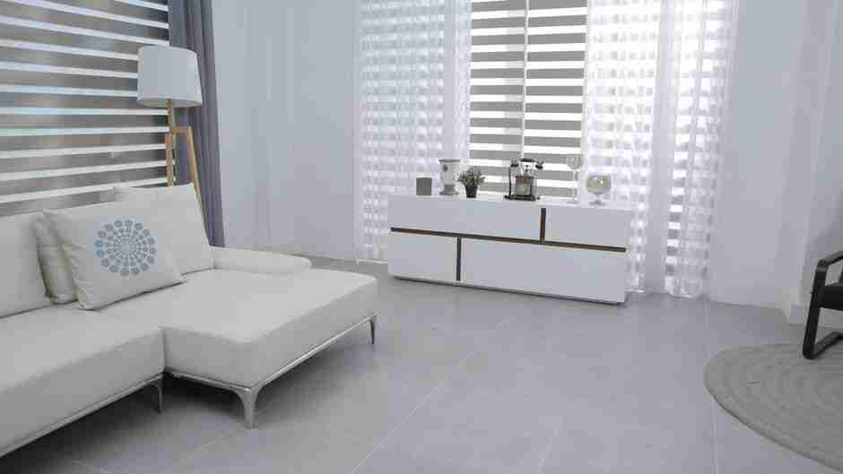 interior design hacks: white based modern living room.