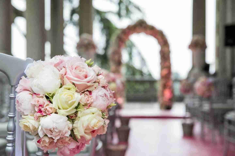 wedding themes: wedding bouquets.