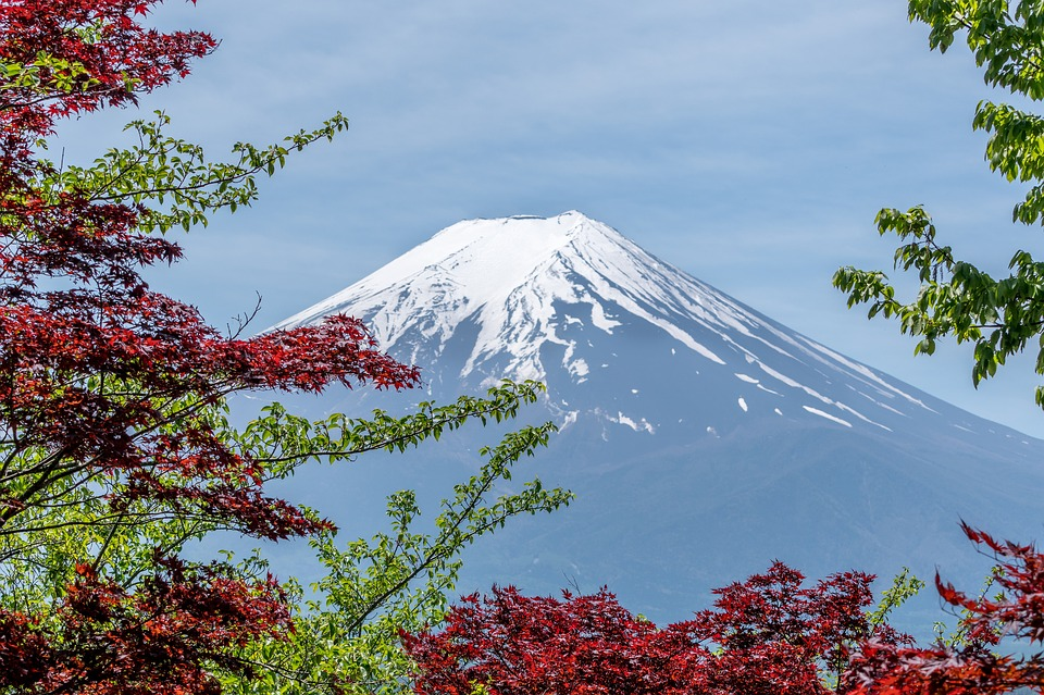 incredible treks: mount Fuji from below.