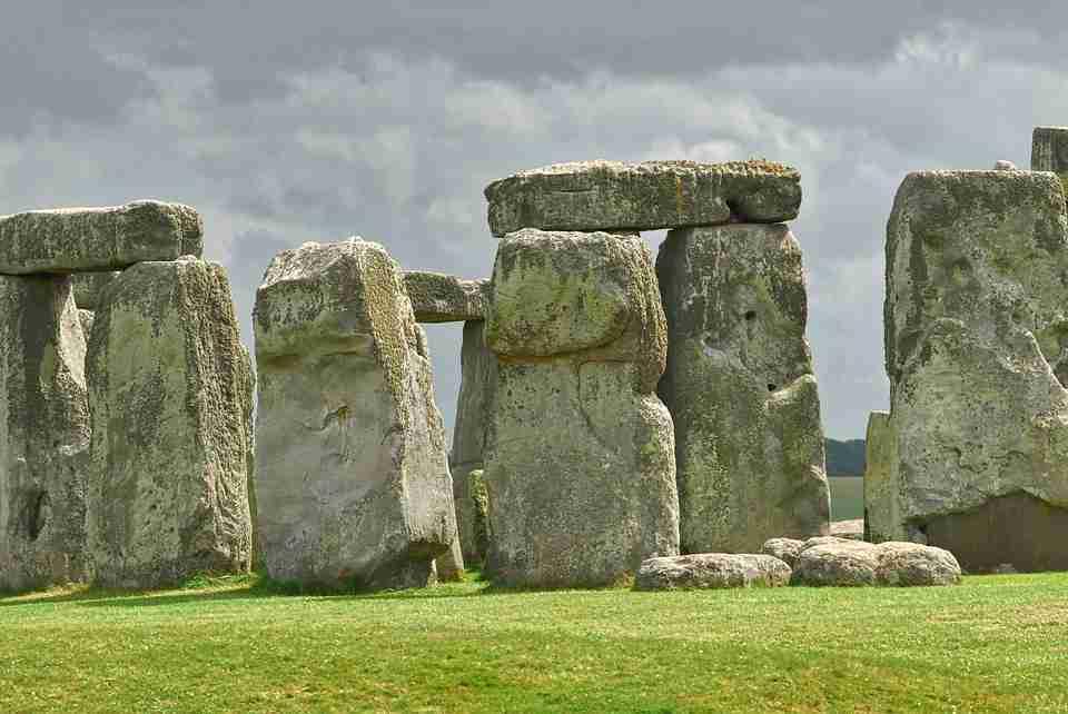 holiday abroad: Stonehenge