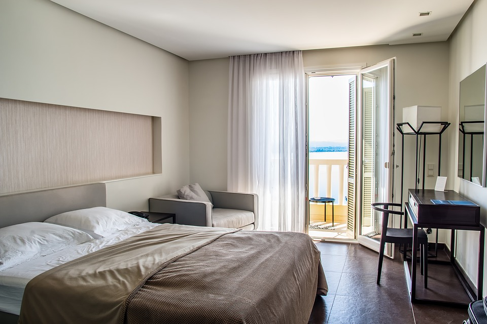 holiday resort: posh hotel room.