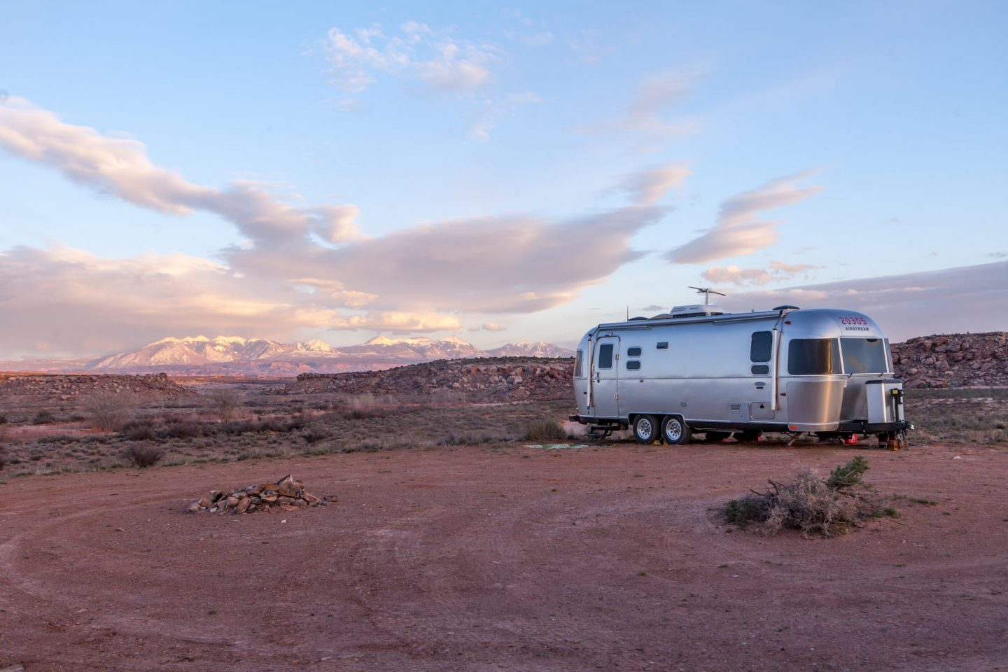 How To Work Remotely & be a Digital Nomad from a Motorhome