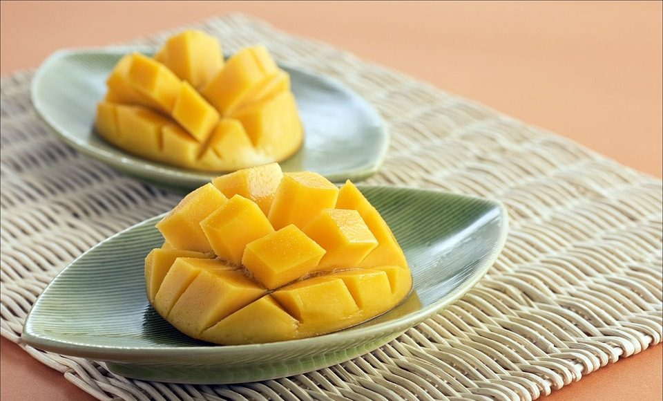 fitness superfoods: mango
