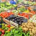 benefits of vegetables: vegetable section at supermarket