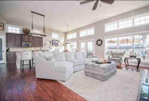 Pagazzi: modern living room.