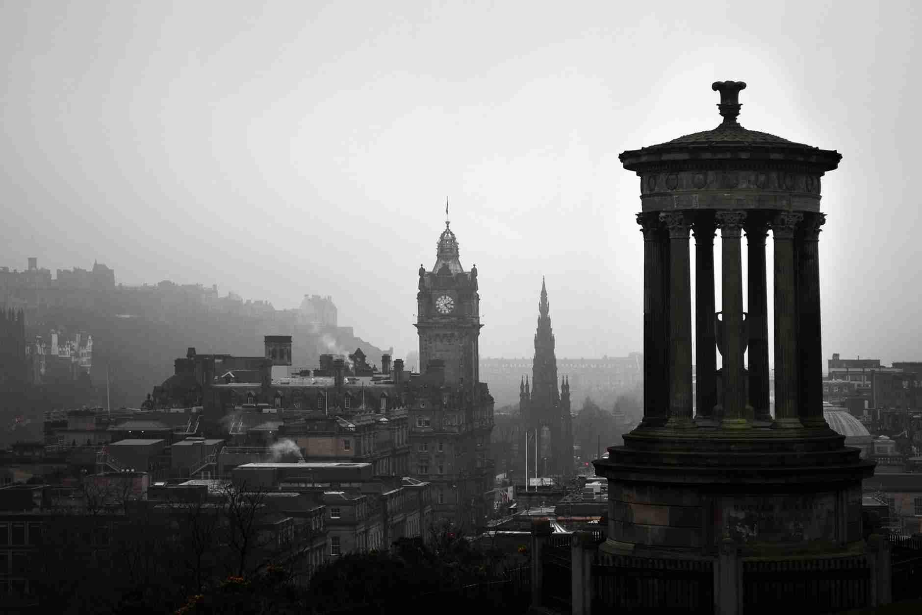most iconic buildings in Scotland: skyline of Edinburgh