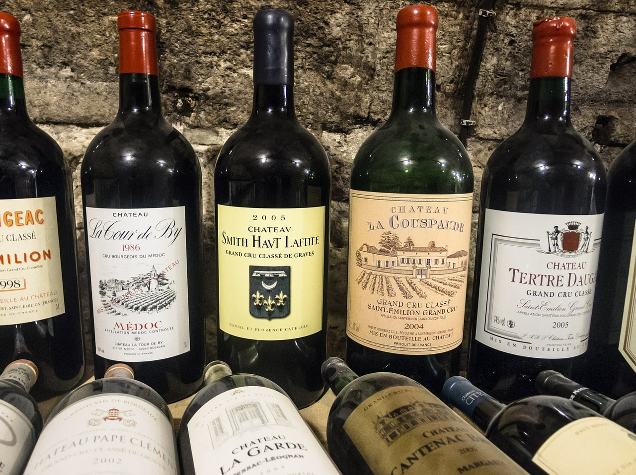 bottles of wine for wine subscriptions boxes: wine club reviews