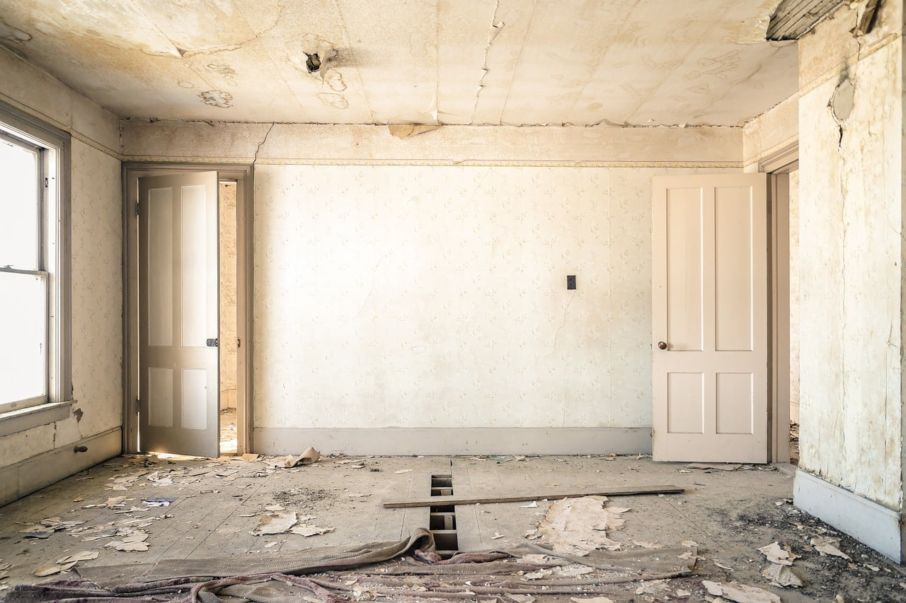 renovating a house: gutted large room.