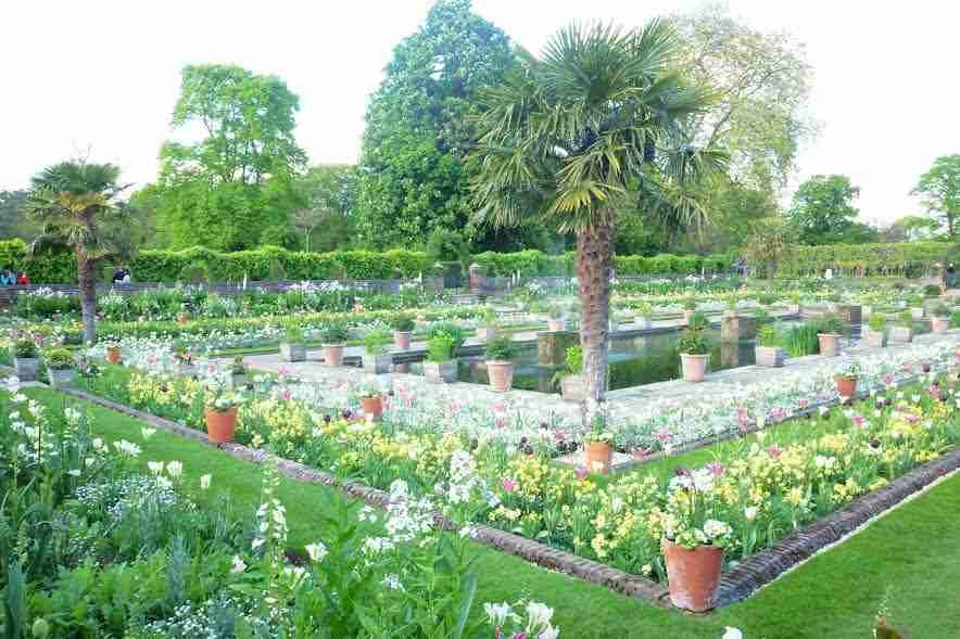 London on a budget: Kensington Palace Gardens.