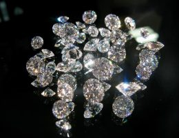 collection of small diamonds: diamonds are made