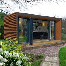 outdoor building in garden: great foundation for a garden building