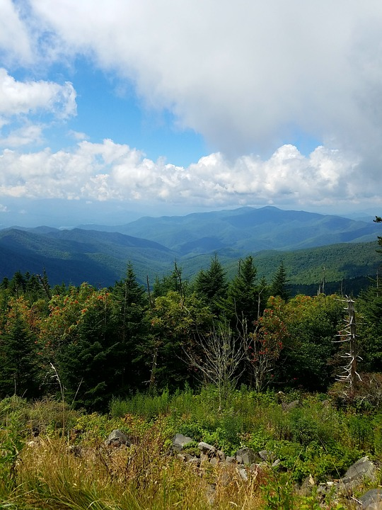 5 Stunning Camping Destinations To Visit This Fall - Great Smokey Mountains National Park in Tennessee and North Carolina