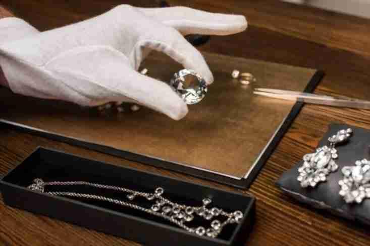 choosing a jewelry appraiser