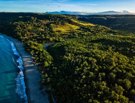 beach in Costa Rica: exotic places to live