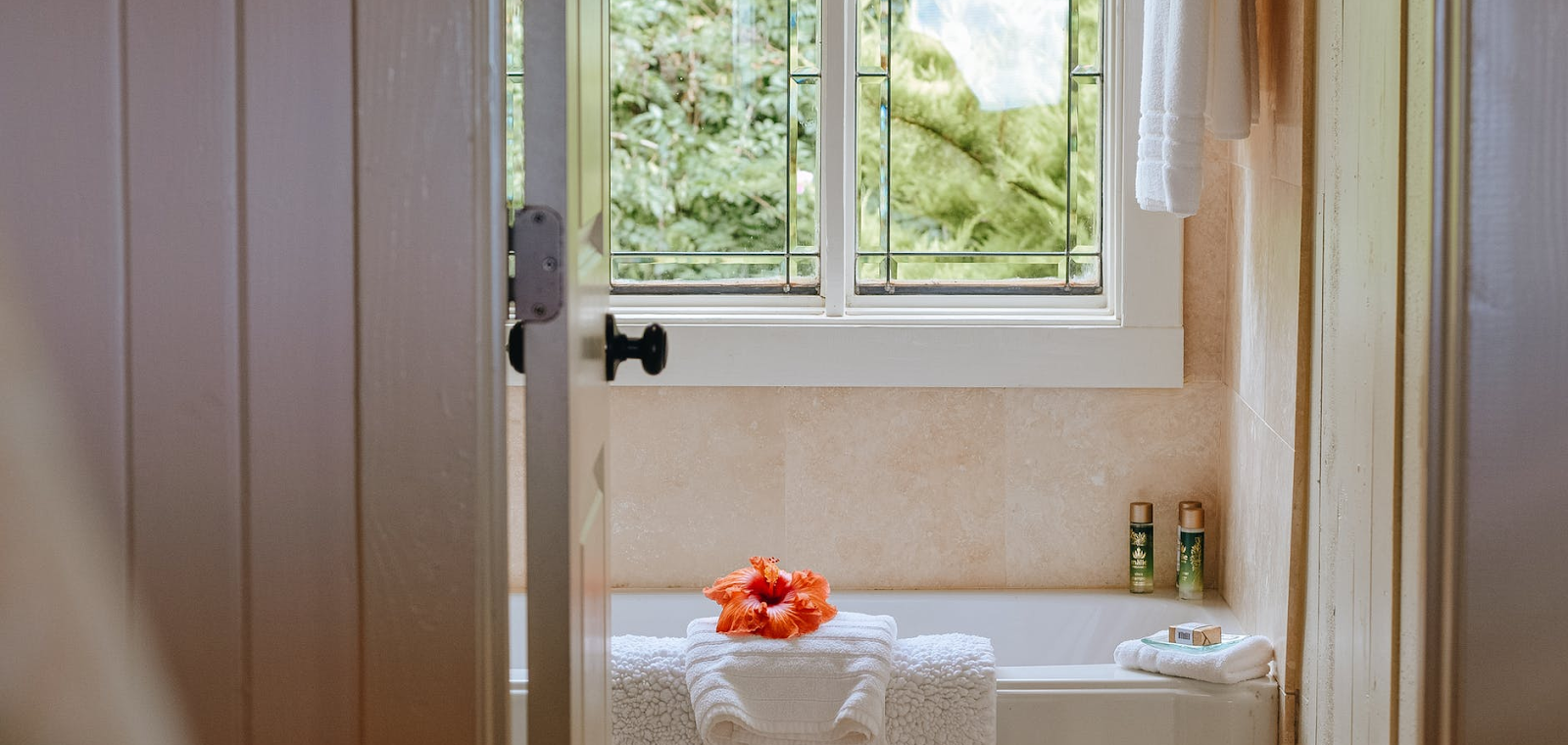 ideas for small bathrooms: bathroom with open window